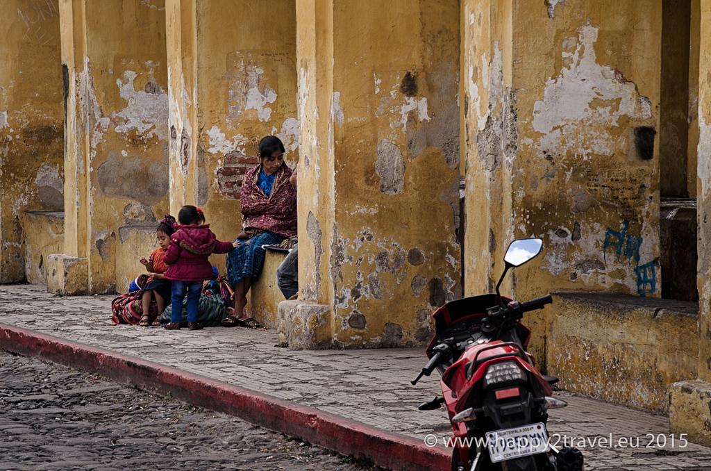 Mayskí indiáni sú najviac diskriminovanou menšinou. Život na ulici.