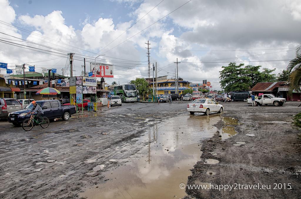 Centrum Puerto Barrios nie je príliš príjemné miesto