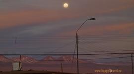 Noc nad púšťou a vulkánmi