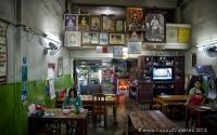 Rodinné reštaurácie tu ponúkajú zmes thajskej a barmskej kuchyne