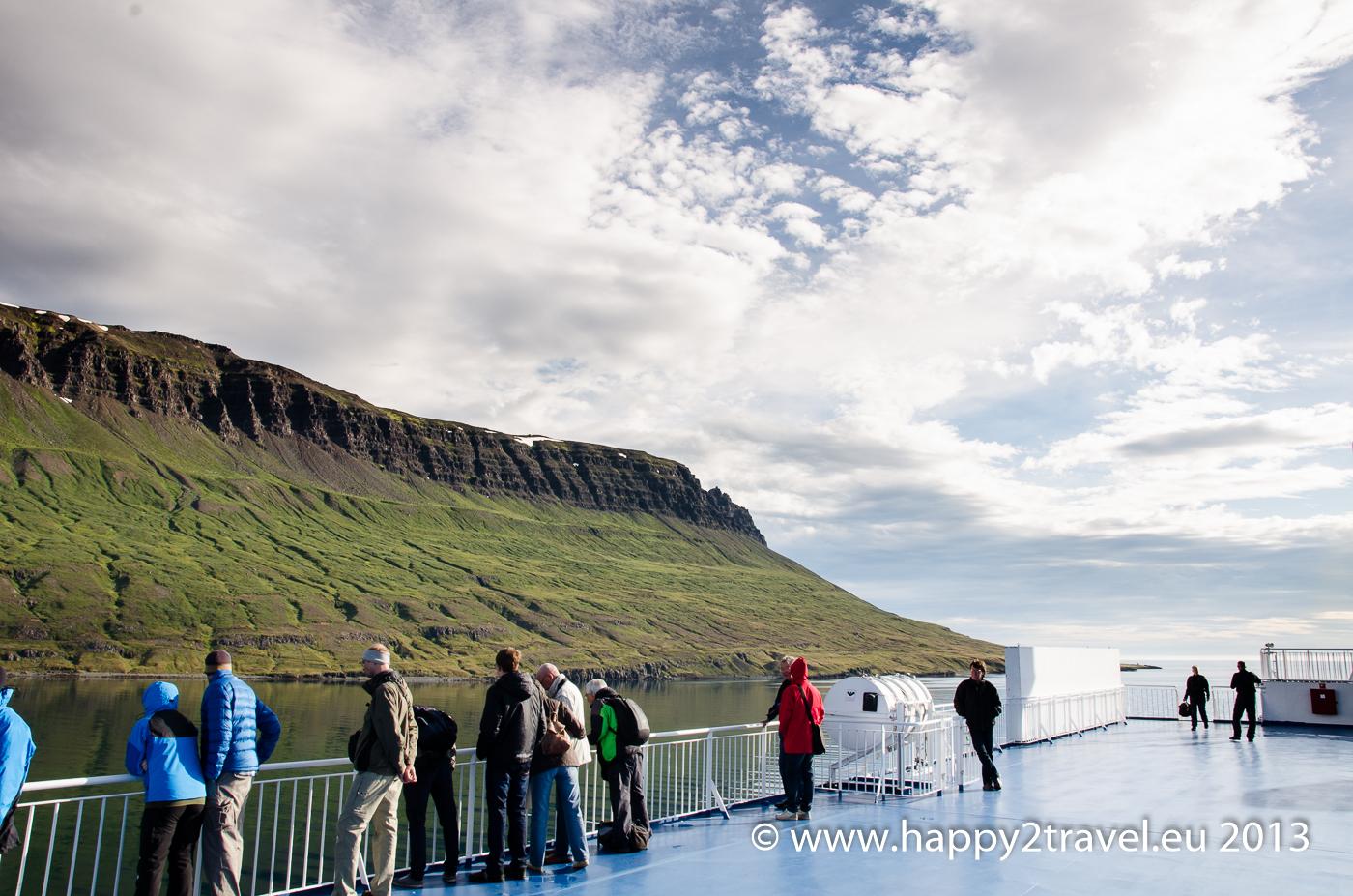 Loďou na východný Island