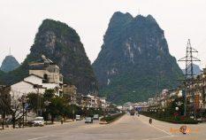 Mesto Yangshuo, južná Čína