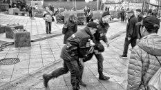 Brutálny zásah moskovskej polície proti obyvateľom z Kaukazu