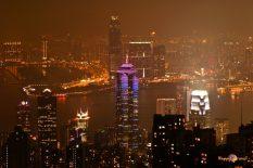 Nočná panoráma Hong Kongu