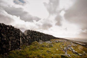 Nekonečné kamenné ploty, útesy a Atlantik