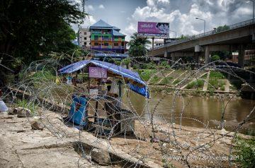 Hranice z Barmou sú neveselé
