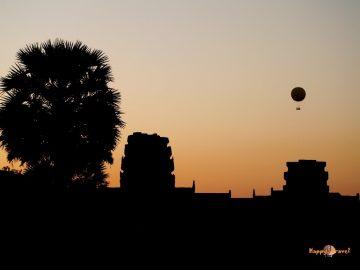 Súmrak nad svätyňami: Angkor Wat, Kambodža