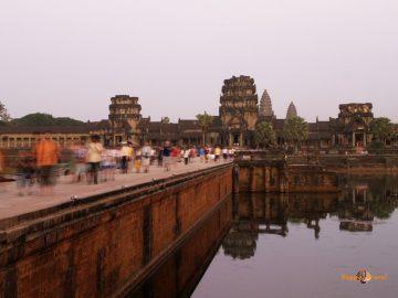 Svätyne Angkor Wat, Kambodža: posledné lúče slnka