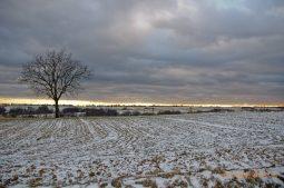 Západ slnka pred snehovou búrkou