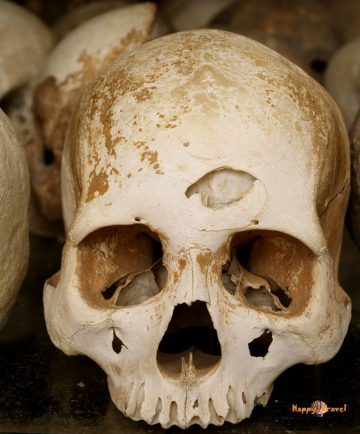 Obete Červených Khmérov: prominentné osoby dostali guľku do hlavy, ostatných zabíjali palicou