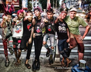 Punk's not Dead - rangúnski (a bratislavskí) pankáči