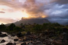 Ku Kenán je pre kmeň Pemónov temným protipólom Roraímy