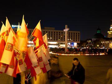 Národný smútok sa v Poľsku postupne mení na sviatok patriotizmu