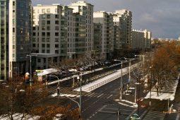 Ospalé nedeľné ulice a pomalý začiatok zimy