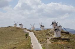 Veterné mlyny neďaleko mesta Consuegra, inšpirácia slávneho dona Quijota