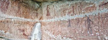 Prehistorické kresby na stenách jaskyne