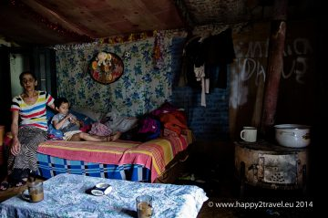 Rumunská Rómka Mária so svojím synom